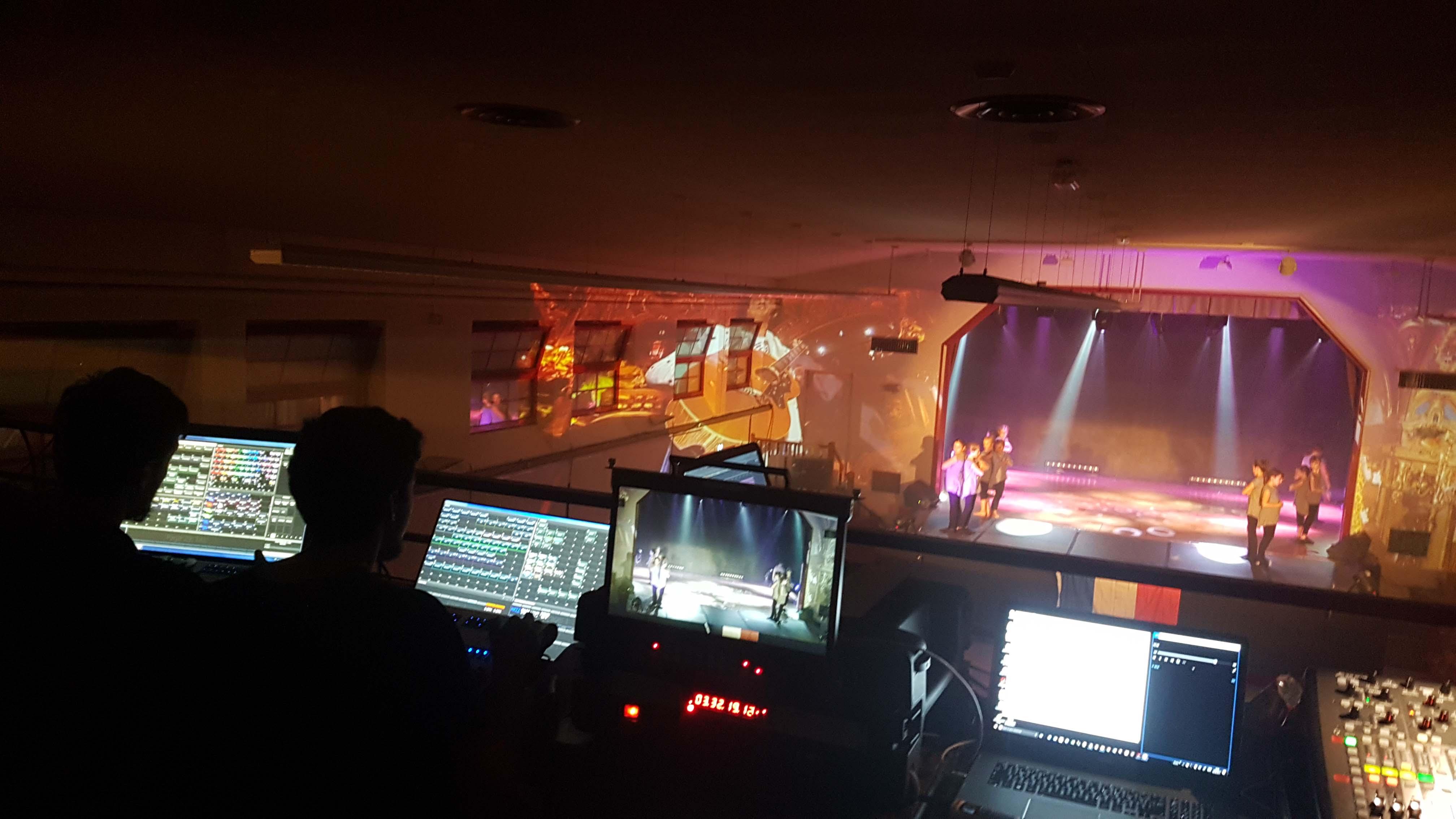 Sonorisation et spectacle lumière d'un gala de danse à Nivolas Vermelle