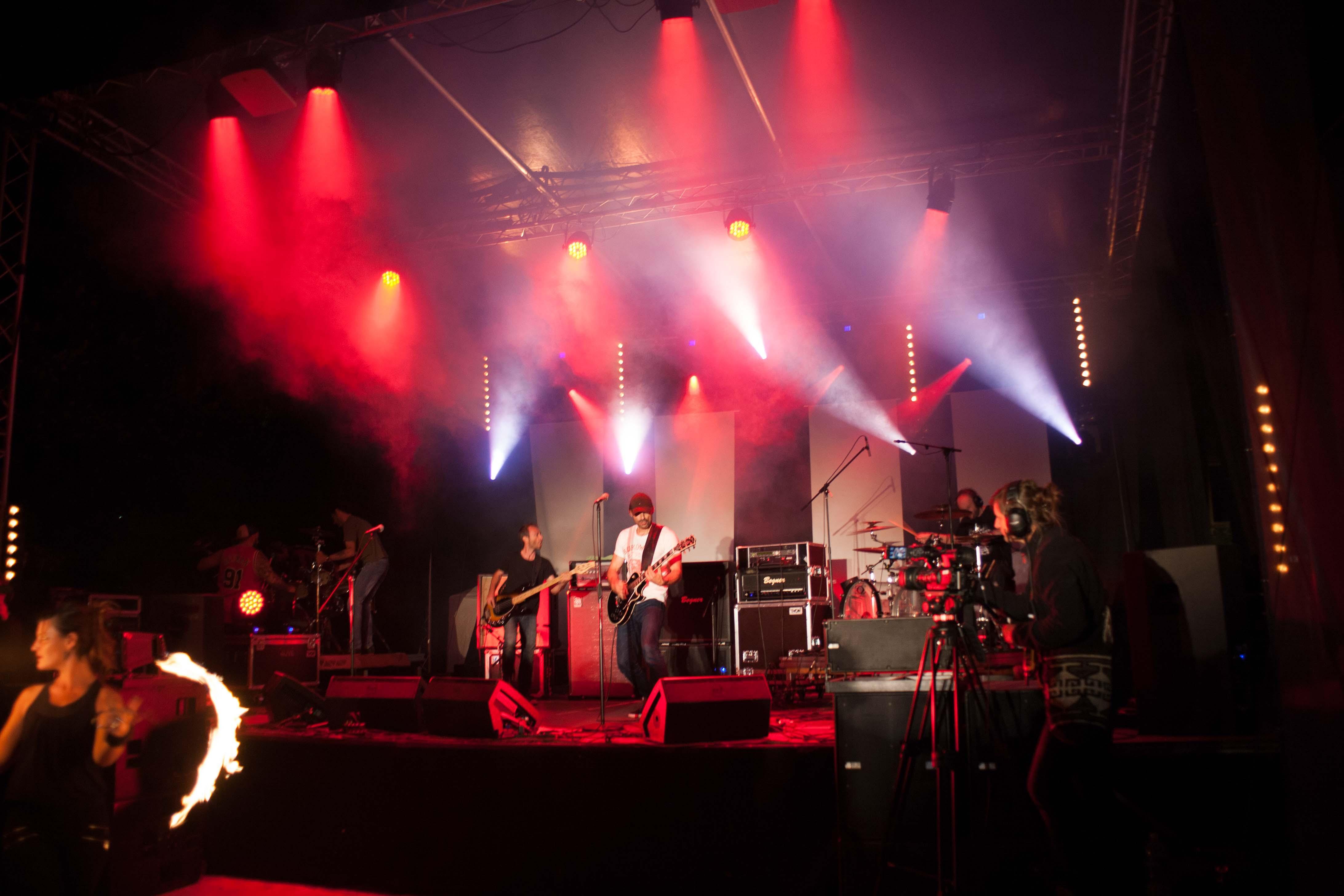 Prestation scène, son, lumière et vidéo de la fête de la musique à Veyssilieu
